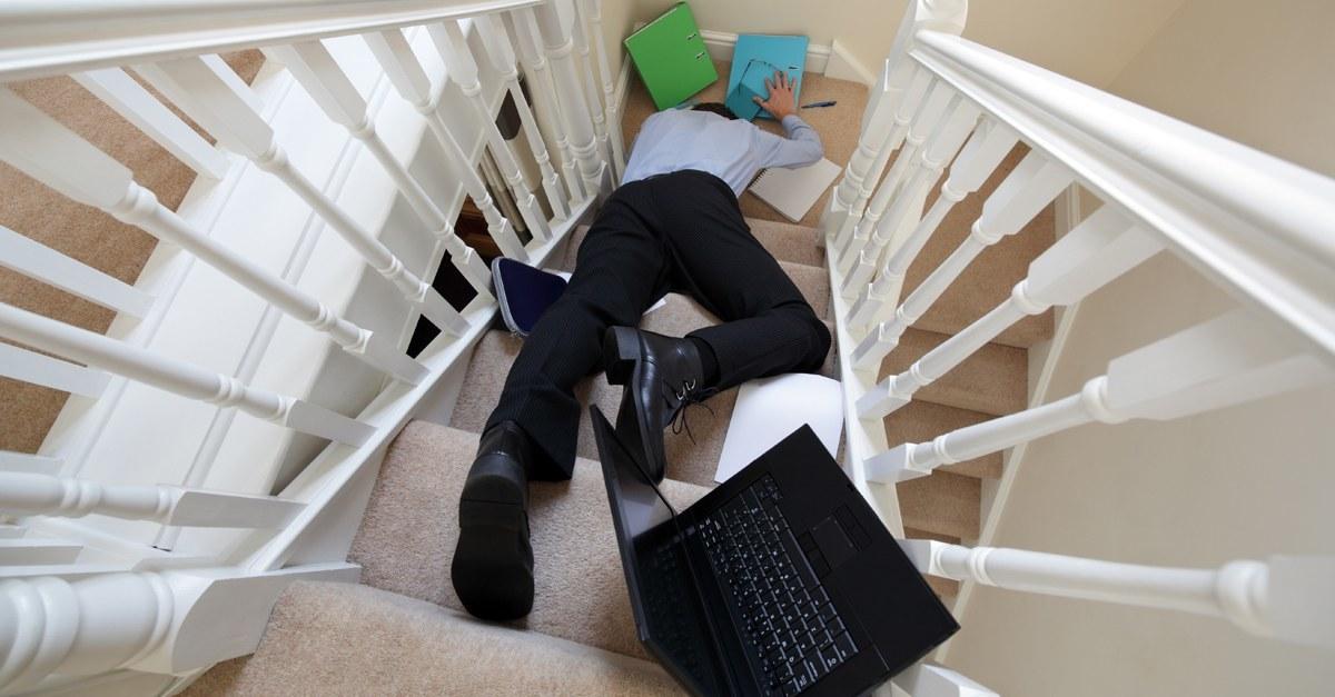 Accidente de trabajo y plazo para denunciar a la empresa for Denunciar clausula suelo