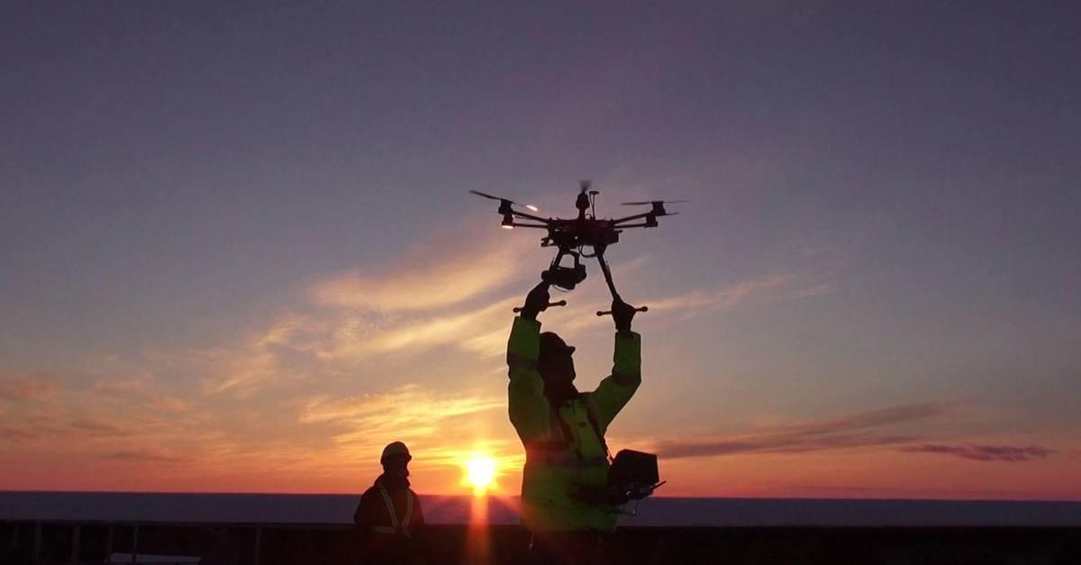 ¿Qué necesito saber para pilotar un drone?