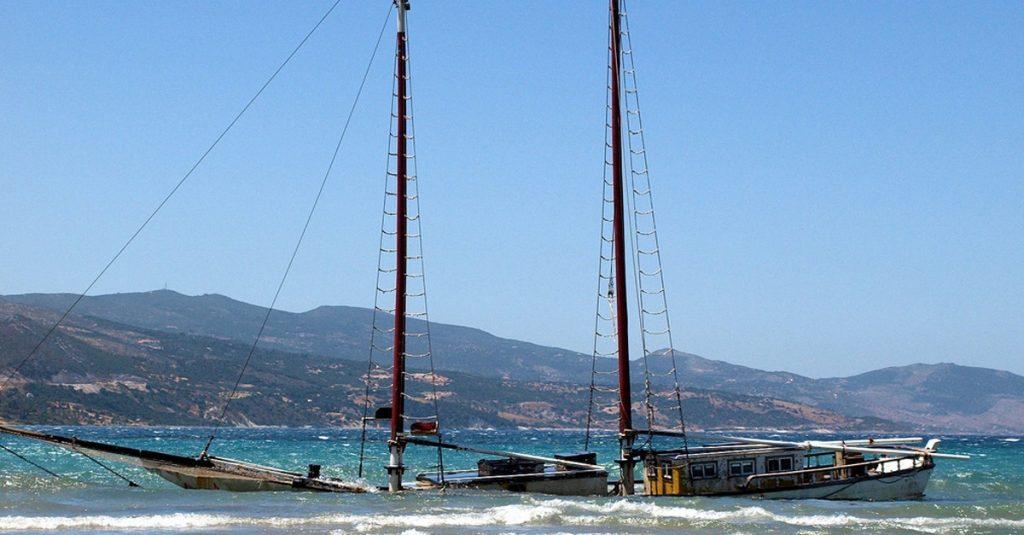 Sufrir un accidente marítimo en un velero
