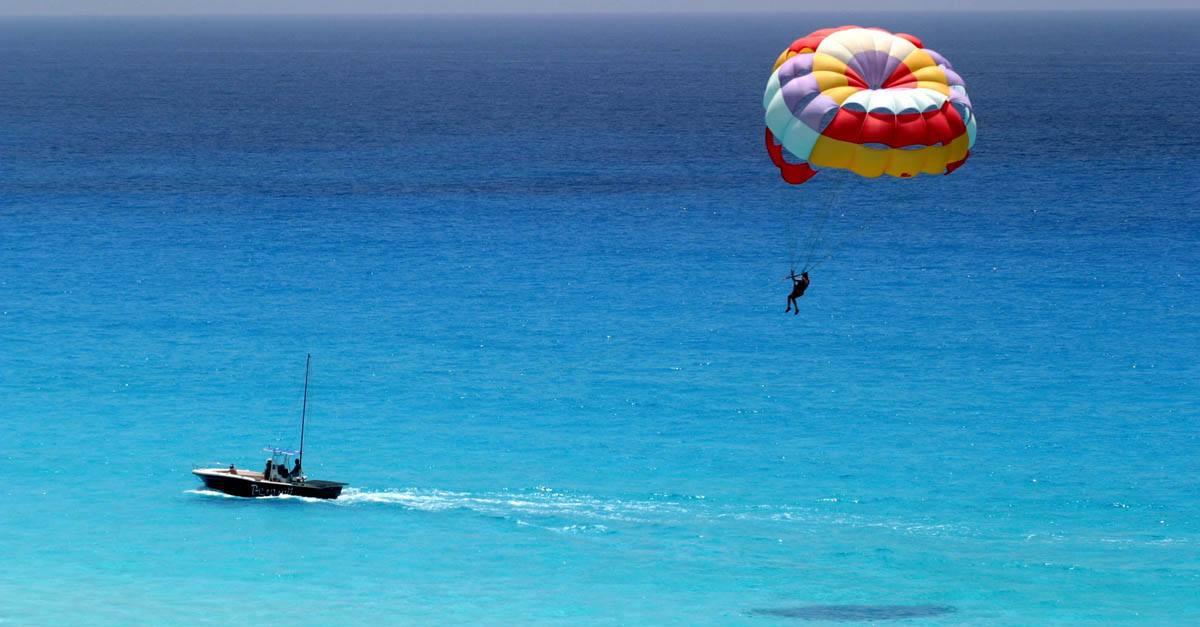 Sufrir un accidente en parasailing