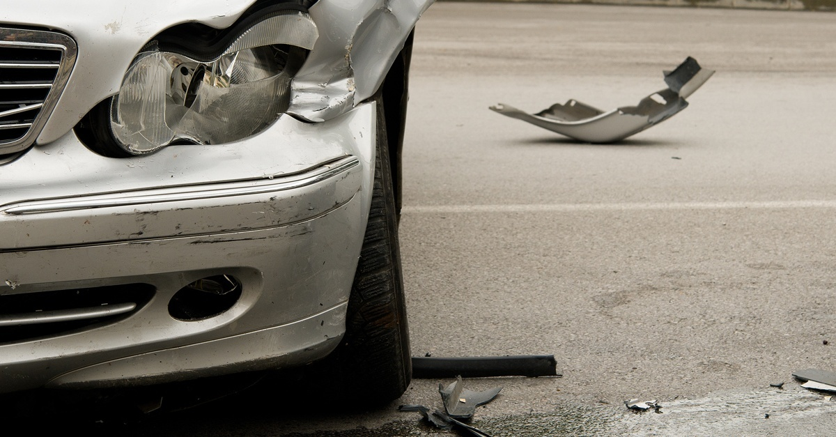 Accidente de tráfico con coche a la fuga
