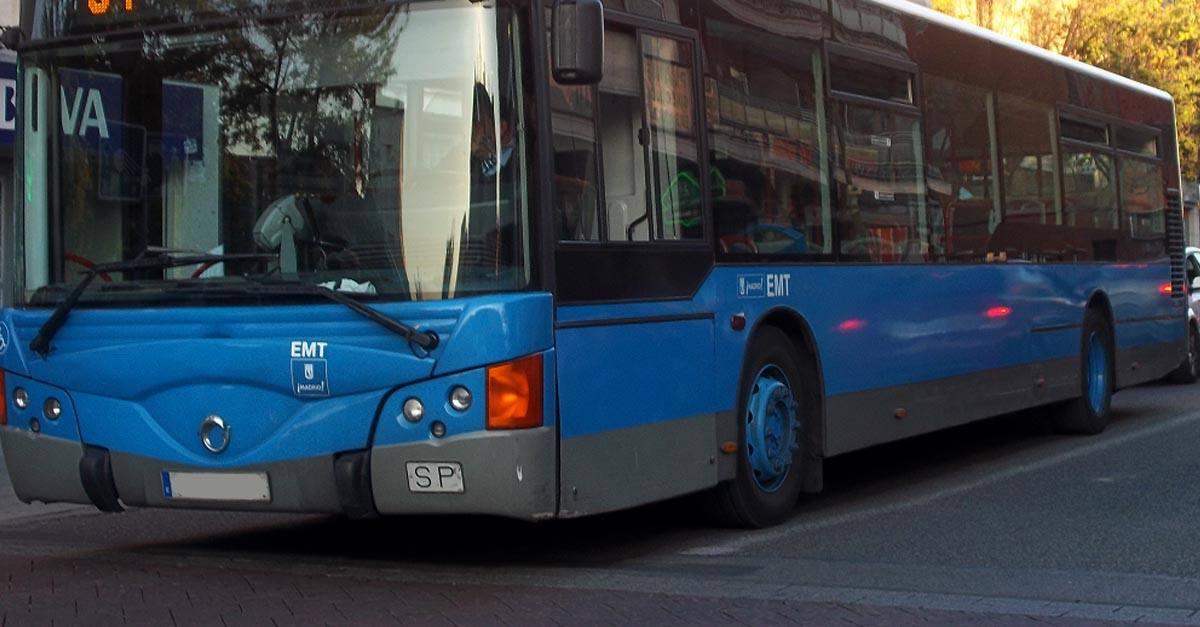 Accidente de tráfico en autobús urbano